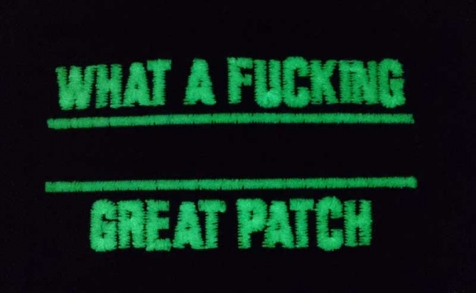 WHAT A FUCKING GREAT PATCH NACHTLEUCHTEND OLIVE